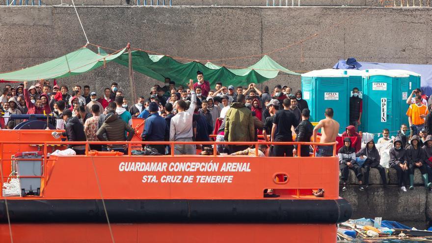 Rescatan un cayuco con 64 migrantes al sur de Gran Canaria