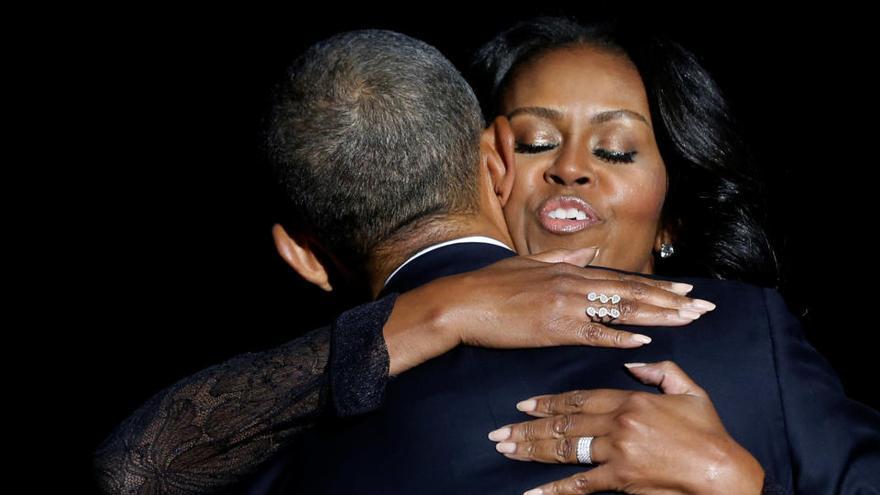 """Michelle Obama publicará una edición de sus memorias para """"jóvenes lectores"""""""