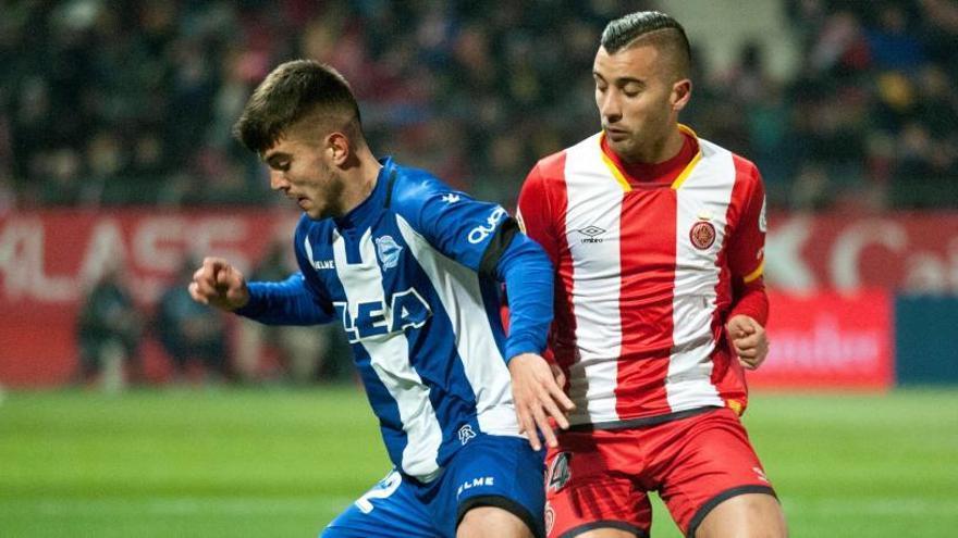 El Alavés asalta Montilivi con 'hat-trick' de Ibai Gómez