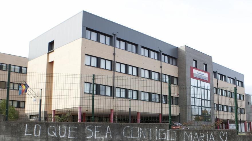 """Somos y Vox ven """"lamentable"""" la idea de instalar barracones en el IES La Corredoria"""