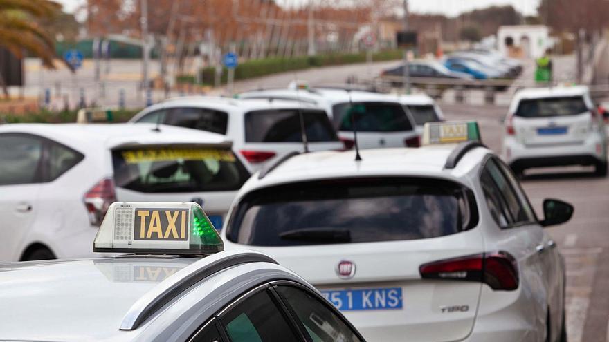 El Consell pretende cumplir desde 2022 la obligación de que cada año se inspeccionen los taxímetros