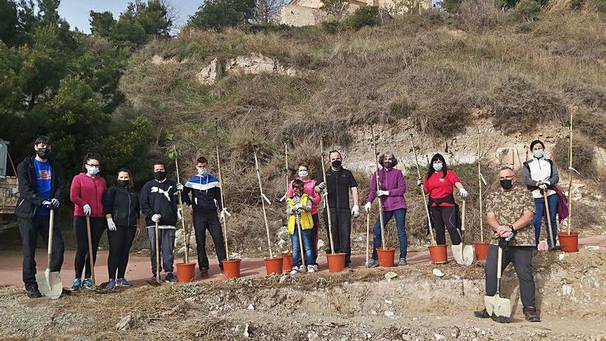 Jornada de limpieza y plantación en La Molilla