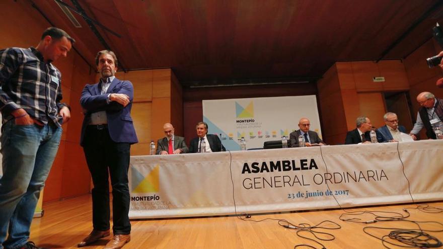 El Montepío aprueba las cuentas de 2016 en una tensa asamblea que abandonaron los críticos con la dirección