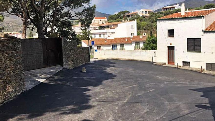 Cadaqués millora el paviment de cinc carrers