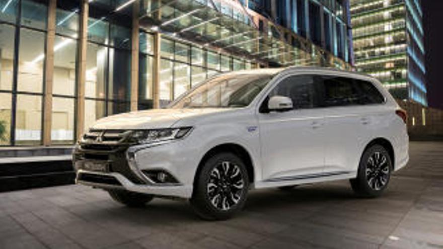 Mitsubishi Outlander PHEV, híbrid i, a més, elèctric