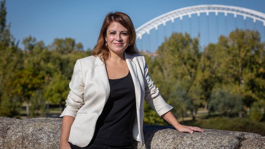 """Adriana Lastra: """"Vara es un referente y queremos plasmar lo que hace en el resto del país"""""""