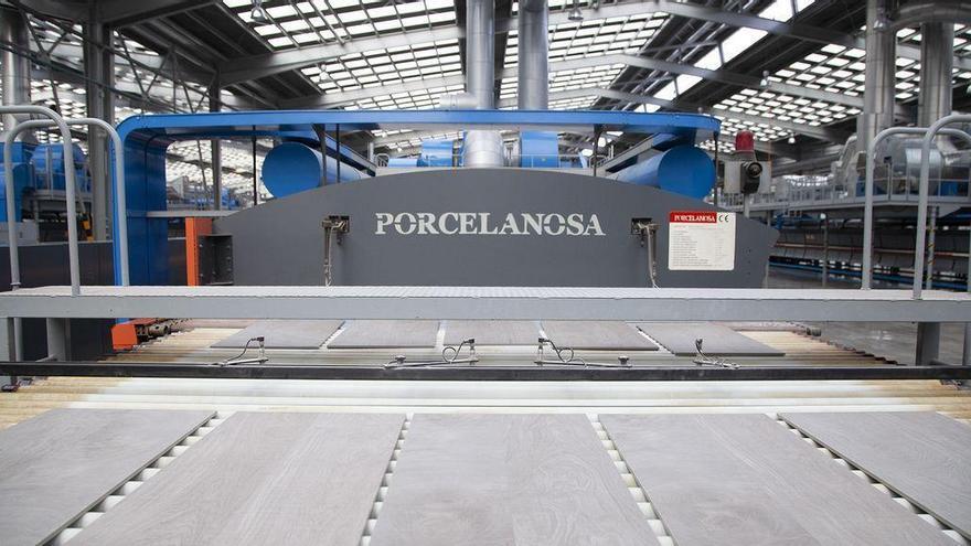 Iberdrola y Porcelanosa trabajarán juntas para descarbonizar la producción cerámica