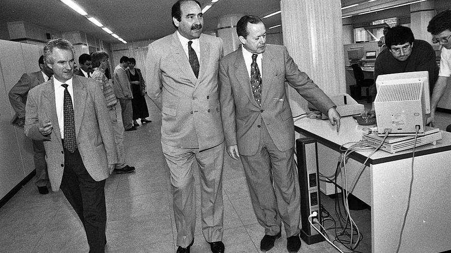 La redacción que renovó el periodismo gijonés: LA NUEVA ESPAÑA celebra 25 años de la sede en Rodríguez San Pedro