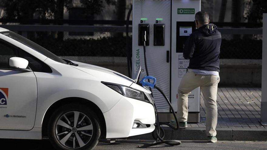 Las ventas de coches alternativos cayeron un 24% en enero