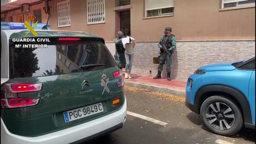 La Guardia Civil detiene en San Vicente a un joven por difundir propaganda del DAESH a través de plataformas de videojuego online