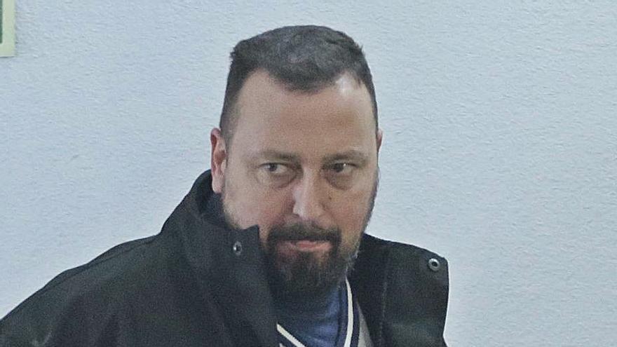 El ayuntamiento recupera a un agente al que le piden 13 años de cárcel por corrupción