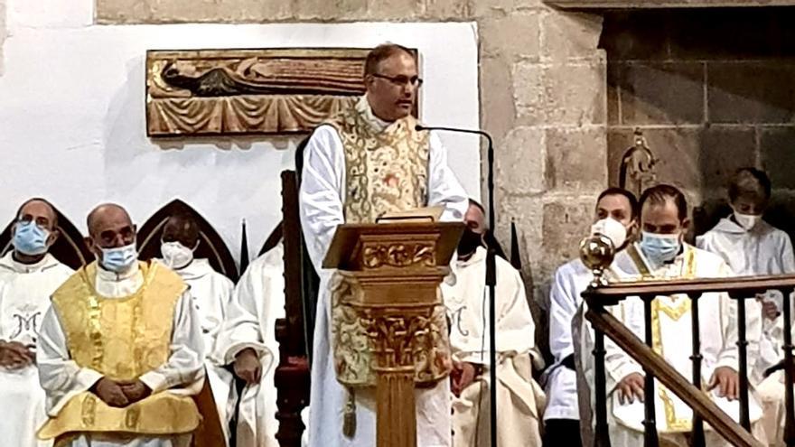 Juan Carlos Milla toma posesión como nuevo párroco de Trujillo
