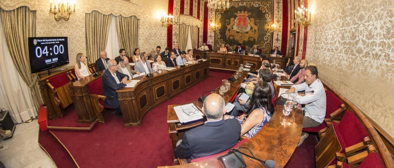 El Ayuntamiento destina 822.000 euros al año para pagar a los asesores