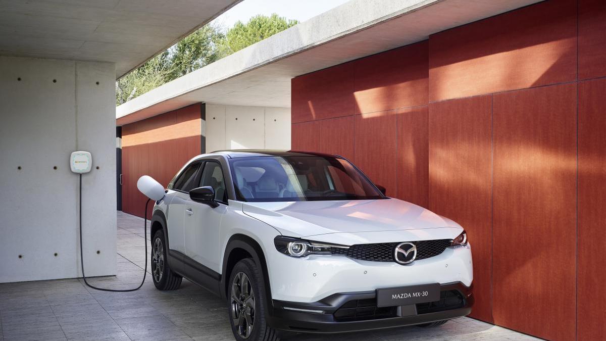Mazda e Iberdrola han suscrito un acuerdo para la recarga eléctrica de vehículos.