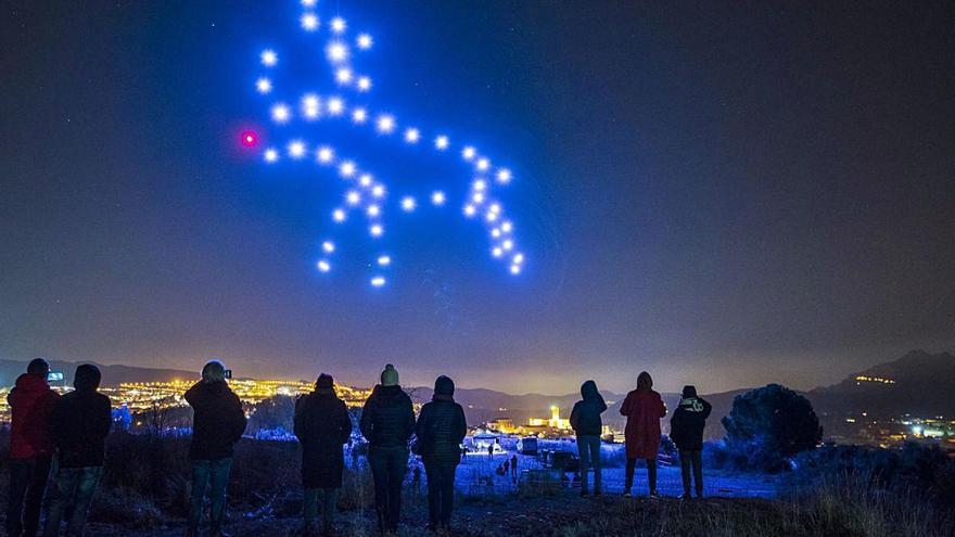 Manresa s'il·lumina amb el primer espectacle fet amb drons a Catalunya