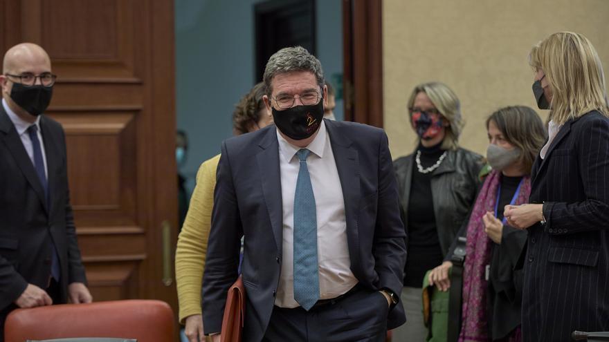 El Gobierno quiere premiar a quien retrase su jubilación con un bonus de 11.000 euros