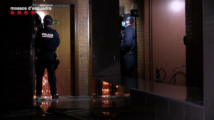 Detenidas 77 personas en la desarticulación de una banda dedicada al tráfico de cocaína, marihuana y armas en Barcelona