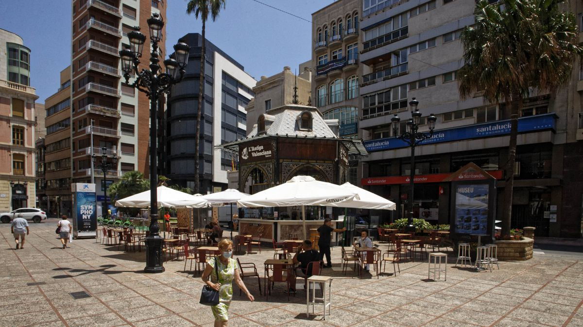 Imagen de la plaza de la Paz, en el centro de Castelló.