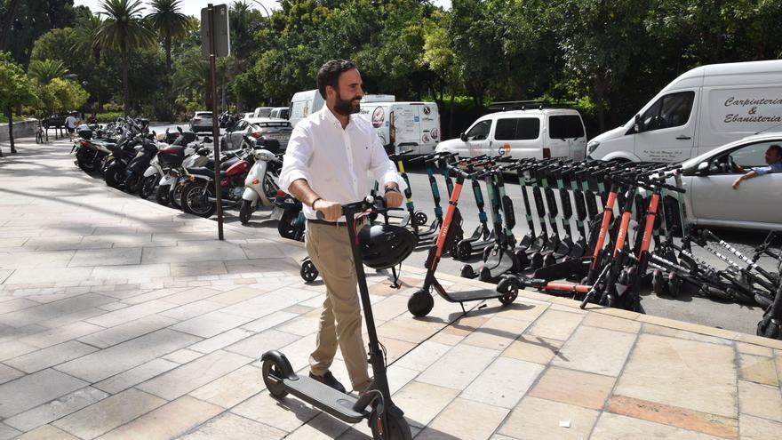 """El PSOE pide al Ayuntamiento que """"paralice"""" el carril bici en la calzada porque """"hace peligrar a los ciclistas"""""""