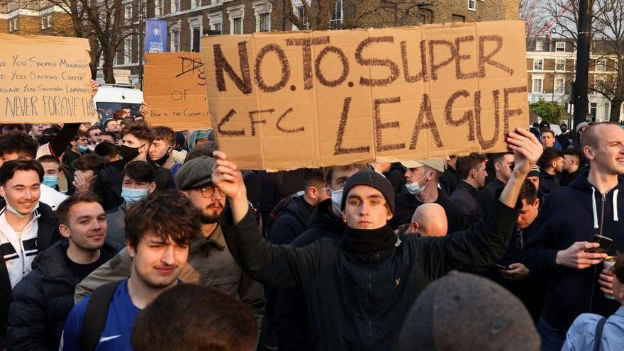 La Superlliga agonitza: els sis clubs anglesos es retiren de la competició