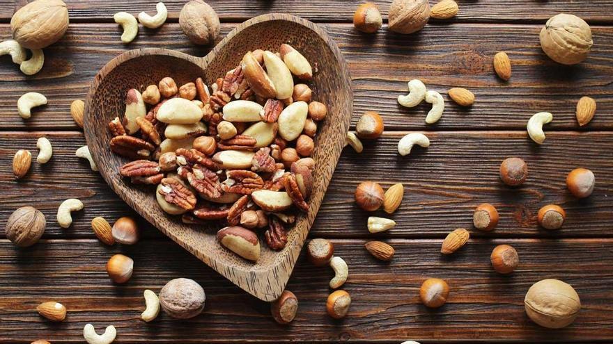 Els fruits secs prevenen malalties cardiovasculars i no engreixen, afirma un estudi