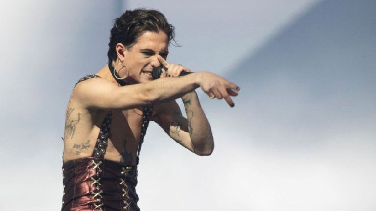 Moment de l'actuació on s'hi veu el cantant Damiano David a la gala d'Eurovisió 2021