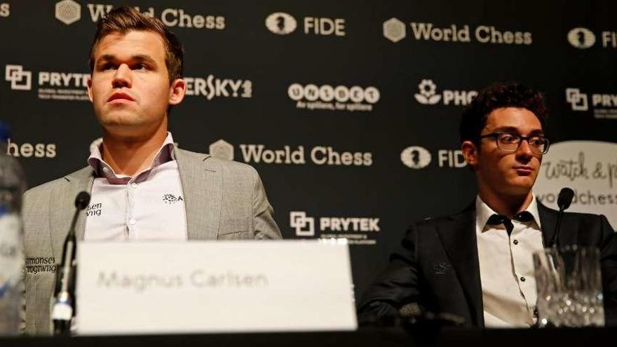 Carlsen retiene su corona mundial