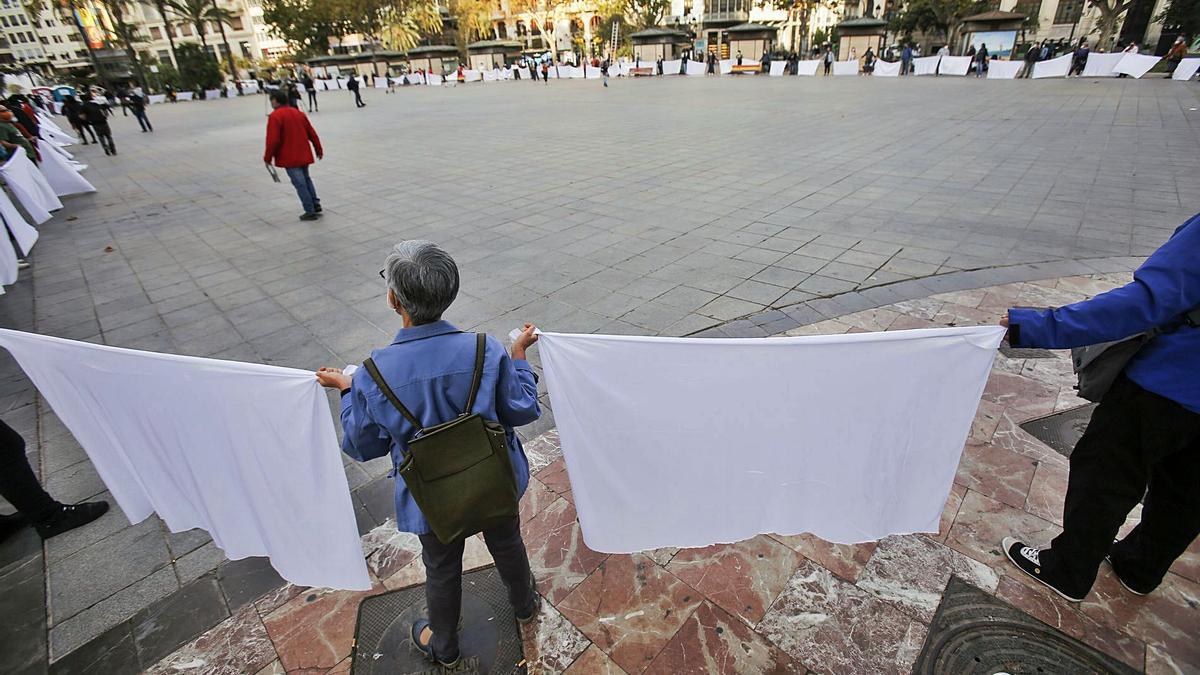 Concentración ayer por la tarde en la Plaza del Ayuntamiento.