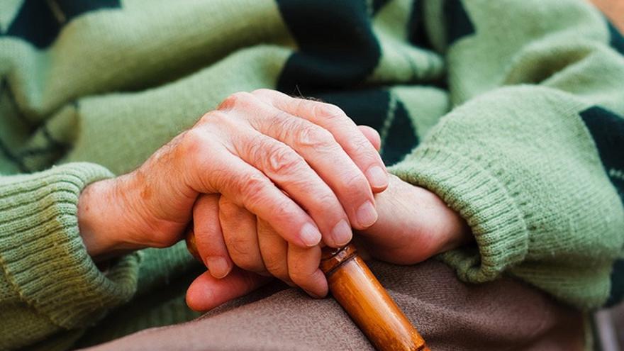 Nace en València una coordinadora de familiares y usuarios de residencias de mayores