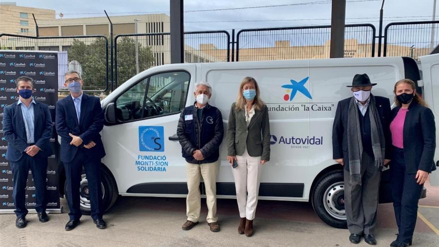 Fundación 'la Caixa' y Autovidal contribuyen con dos nuevos vehículos para el Banco de Alimentos y Monti-sion Solidaria