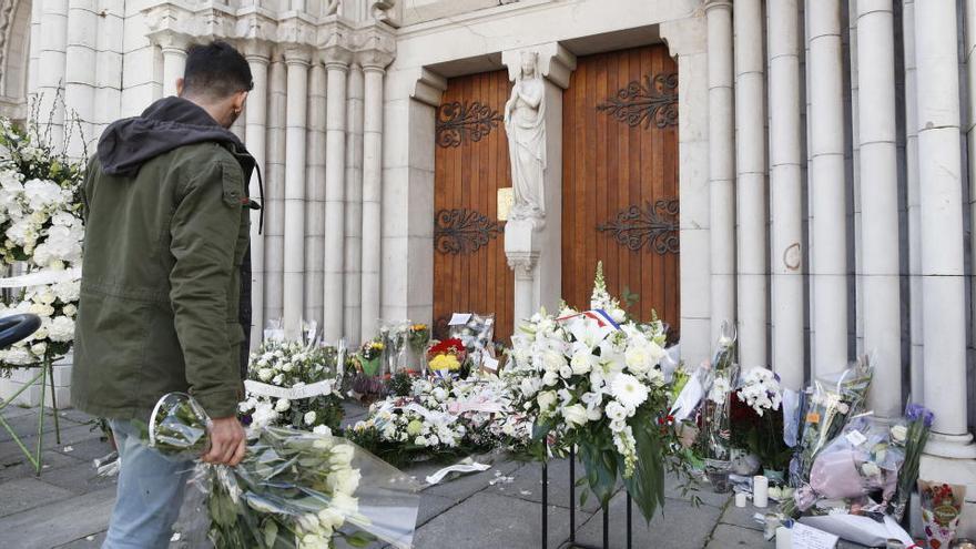 Detenido en Barcelona por llamar en redes a atentar