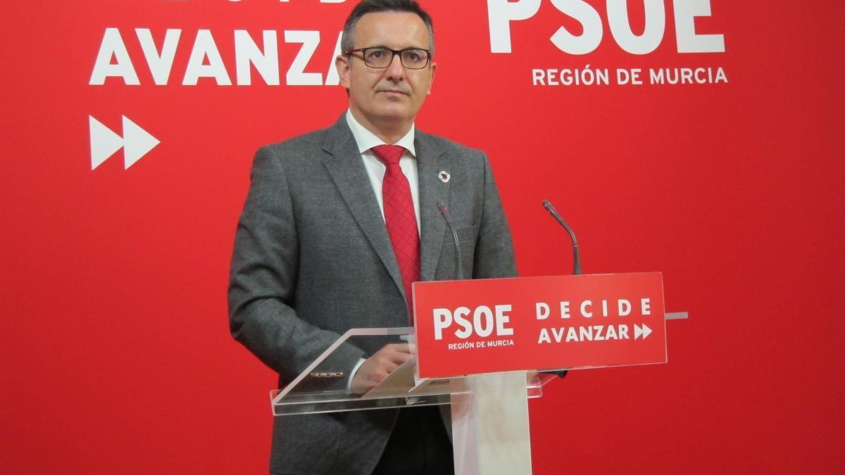 El PSOE pide a la Comunidad que suspenda cautelarmente el contrato de ambulancias