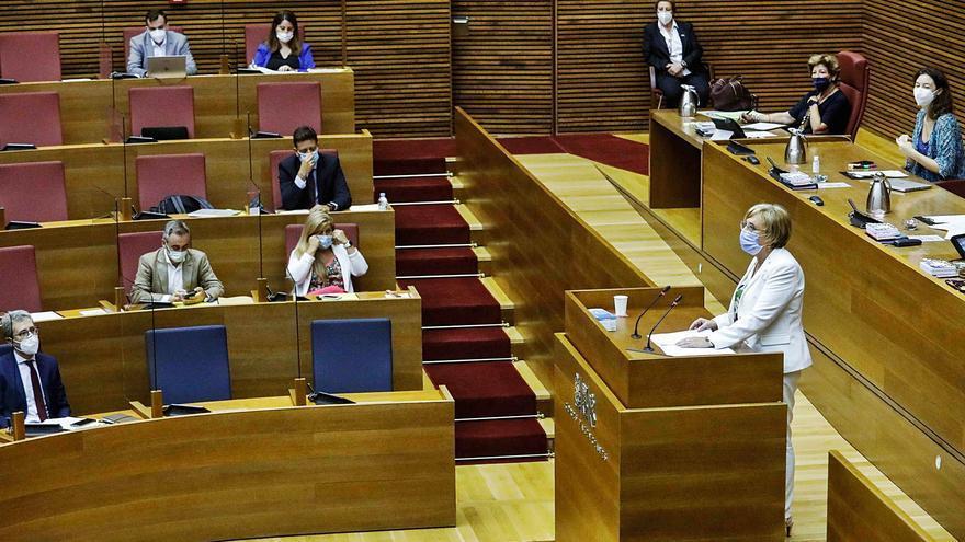 La oposición culpa a Barceló de no recibir las vacunas necesarias