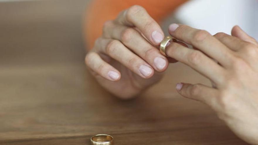 Las disoluciones matrimoniales bajan un 34% en el Archipiélago