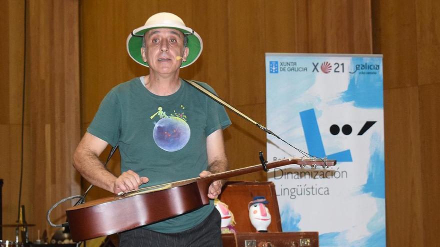 """""""O que levamos nas maletas"""", do cantante Magín Blanco."""