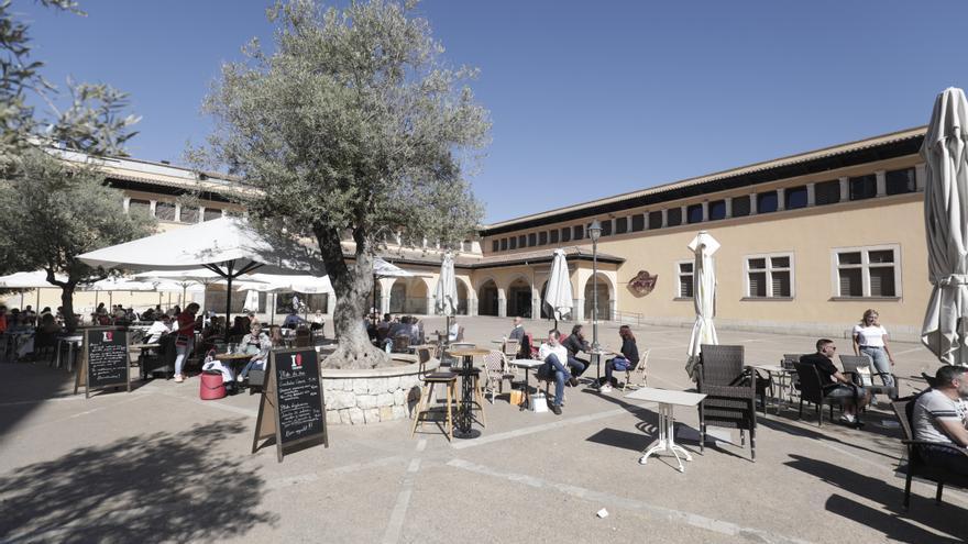 Los bares del Mercado del Olivar insisten en tener una terraza temporal en la plaza