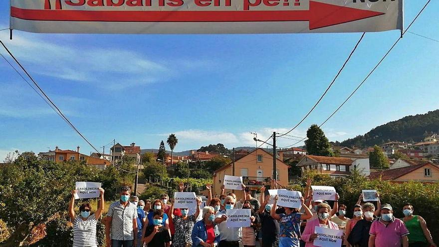 Sabarís se levanta contra la primera gasolinera de bajo coste de la provincia