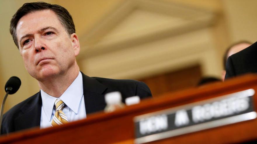 Trump pidió al exdirector del FBI que abandonara las investigaciones sobre Flynn