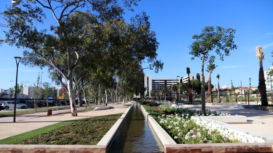 """Los vecinos de Martiricos: """"En la zona hacía falta un parque así"""""""