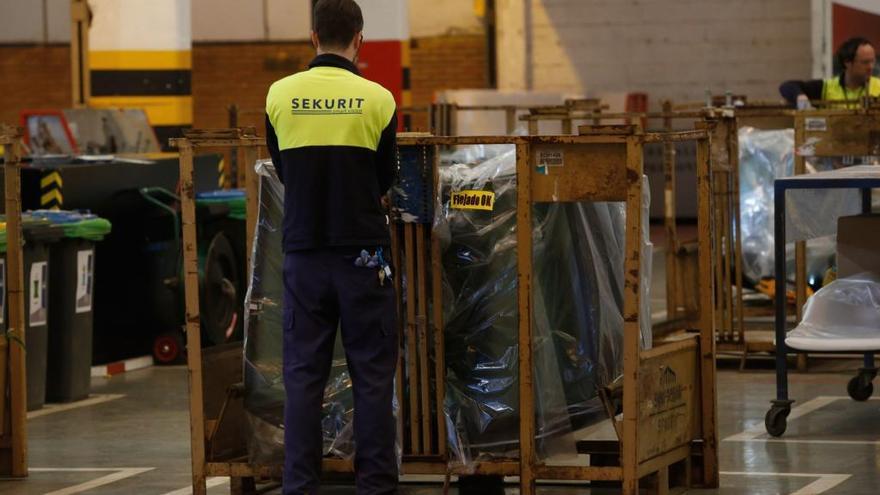 Saint-Gobain garantiza el 80% del salario a los afectados por el ERTE en su fábrica de Avilés