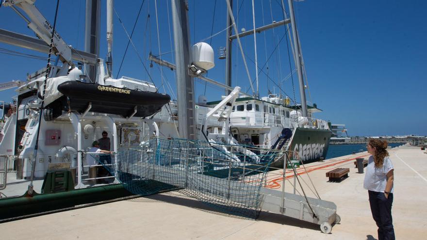 Así es el buque Rainbow Warrior de Greenpeace que atracará en València