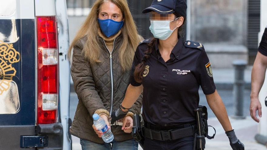 La Audiencia impone 22 años y medio de cárcel a la viuda negra de Alicante y 20 a su cuidador por asesinato