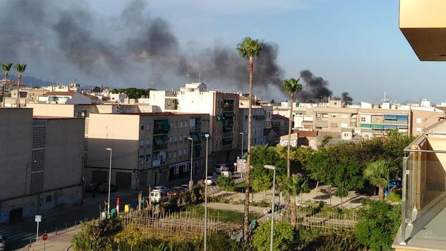 Incendio de matorral en Ronda Sur, Murcia