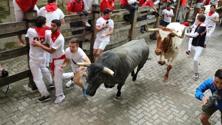 Los toros de José Escolar protagonizan un encierro rápido y sin corneados