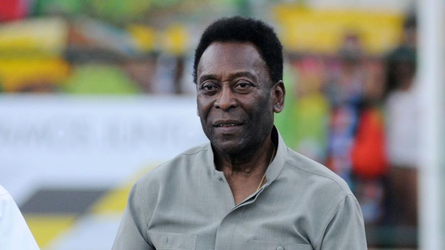 Pelé recibe el alta hospitalaria tras más de un mes ingresado