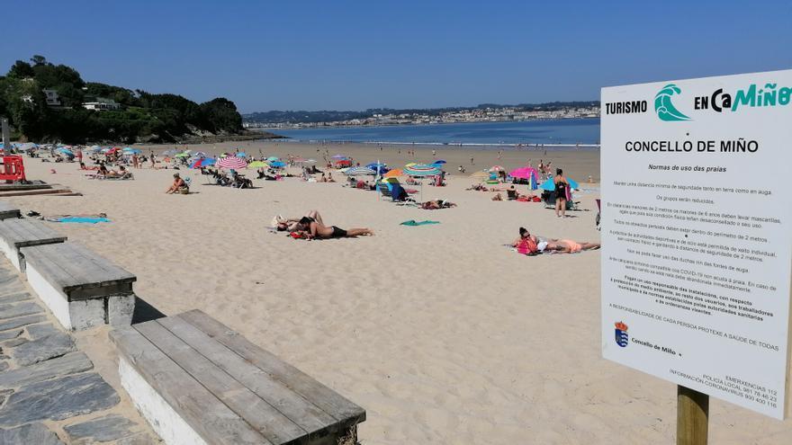El servicio gratuito de autobús a la playa comenzará a funcionar mañana en Betanzos