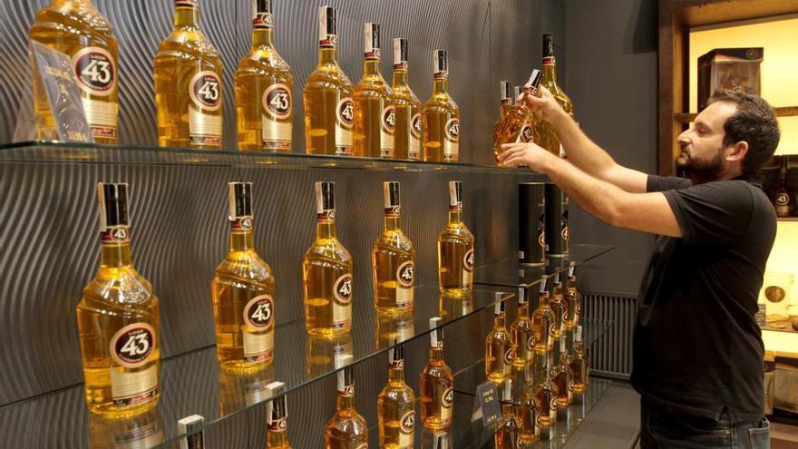 La empresa que fabrica el licor 43 se lanza a la conquista de china