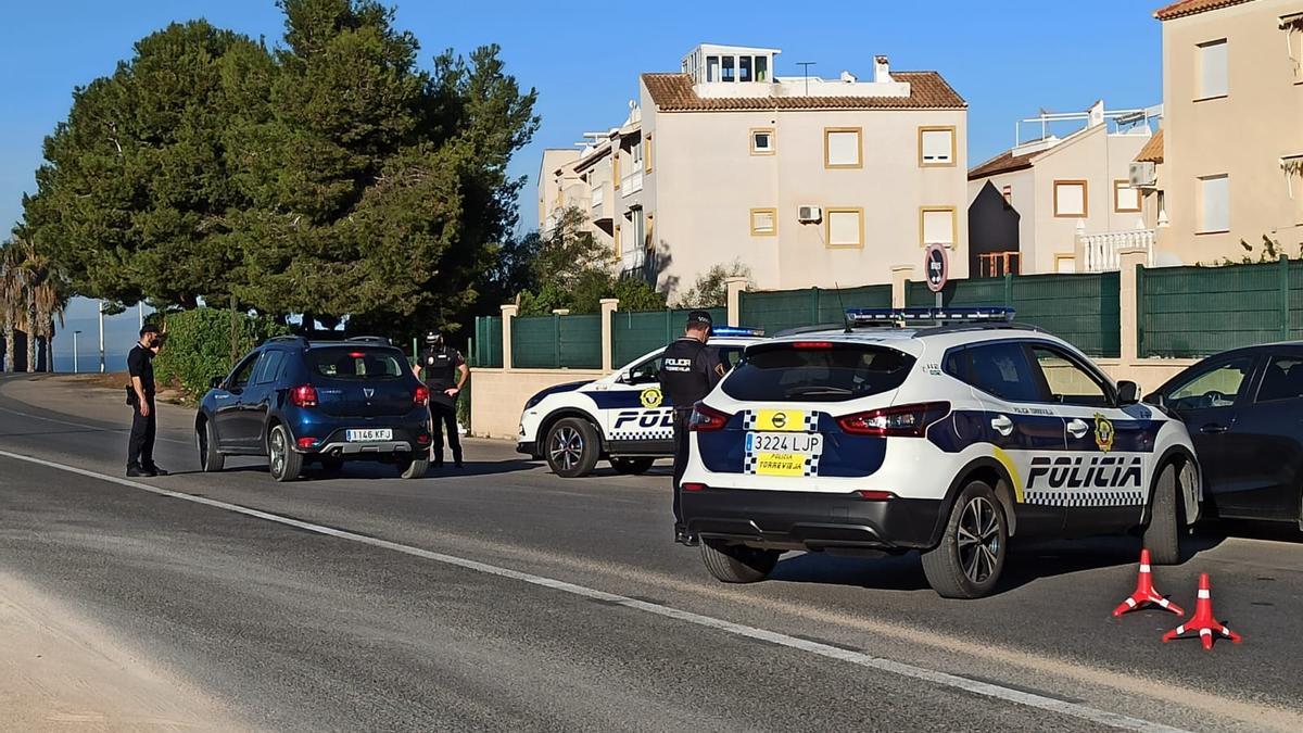 Un control policial en Torrevieja