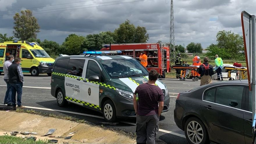 Un conductor resulta herido en una colisión entre dos furgonetas cerca de Talavera