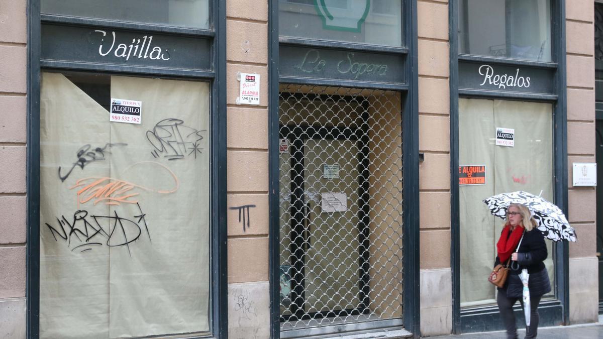 Un comercio cerrado en el centro de Zamora